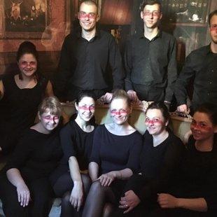 """Dziedam kopā ar vokālo grupu """"Latvian Voices"""", 2016. gada novembrī"""